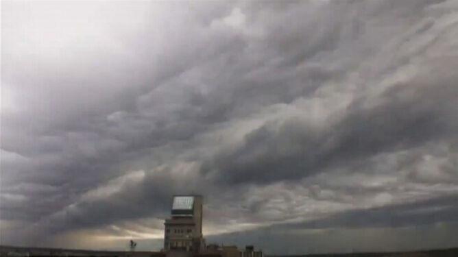 Nowy rodzaj chmur? Undulatus asperatus nie przestają zachwycać